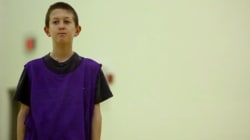 ASSISTA: A reação deste menino autista contra o bullying nos deixou sem