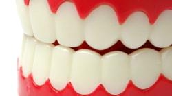 Vous grincez des dents la nuit? 5 conseils à