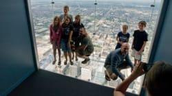 Le plancher vitré se fissure sous les visiteurs à 412 mètres du