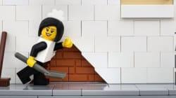 レゴでバンクシーの代表作を再現した作品がとんでもなくすごい(画像集)