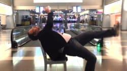 ASSISTA: Ele passou a noite no aeroporto e gravou um clip