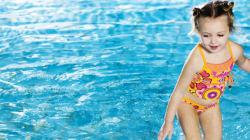 La piscina è sicura con questi 13 consigli