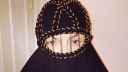 Madonna pose en