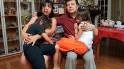 BLOG - La réaction des parents des jumelles née d'une mère porteuse aux