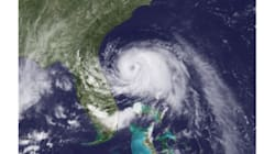 Arthur se transforme en ouragan et s'approche de la côte est des