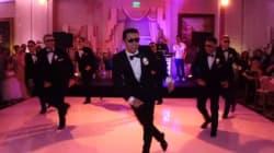El baile sorpresa de un novio y sus amigos a su esposa