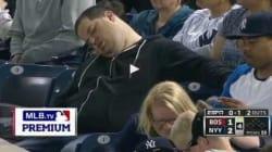 Si addormenta mentre giocano gli Yankees....E fa causa per 10 milioni di dollari