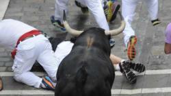 Espagne: deux coureurs blessés par un taureau