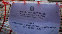 Galleria Umberto I a Napoli chiusa dalla polizia municipale