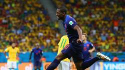 Match et marche funèbres pour le Brésil devant les Pays-Bas