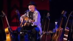 Neil Young e i Crazy Horse cancellano il concerto di Tel Aviv