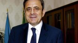 Corruzione e concussione: ai domiciliari l'ex direttore dell'Agenzia delle Entrate della