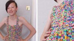 Cette robe en Rainbow Looms coûte plus cher que votre voiture