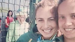 The Queen Awesomely Photobombs Hockey Players At Commonwealth