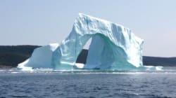 Un iceberg s'effondre en direct et effraie deux