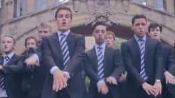 Gli studenti di Oxford imitano Shakira per beneficenza