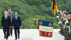 Hollande enchaîne les commémorations pour se