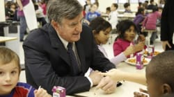 La sous-alimentation chez les enfants, une «plaie sociale», dit Lucien Bouchard