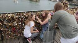 La mairie de Paris tente une opération selfie pour remplacer les cadenas