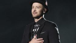 Justin Timberlake ému par le cadeau d'un fan en plein