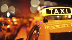 Une femme accouche dans un taxi à