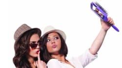 La brosse selfie, l'invention dont on n'avait pas
