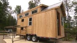 Un couple de Saguenay construit une micromaison de 15 mètres carrés