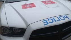 Finis les collants sur les voitures et postes de police du SPVM, dit une