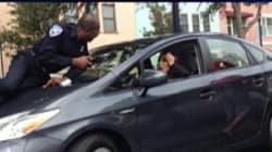 Elle roule deux kilomètres avec un policier sur le