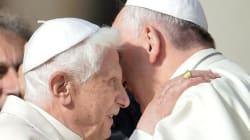 Francisco y Benedicto se reencuentran ante 40.000 ancianos