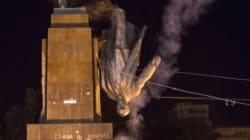 Ucraina, abbattuta la più grande statua di Lenin in