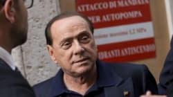Berlusconi congela (per ora) il soccorso azzurro a Renzi dopo il