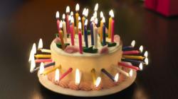 Le vieux qui ne voulait pas fêter son anniversaire: pour