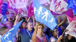 France: des milliers d'opposants au mariage gai dans la rue