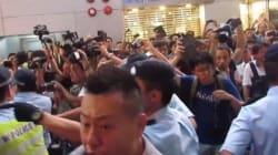 傘の革命、現地で撮ったデモ隊と反対派の衝突現場(動画)