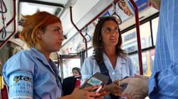Sul bus senza biglietto, accoltella un