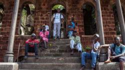 La lucha contra el ébola es también una lucha contra la