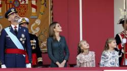 Felipe VI preside por primera vez como rey el desfile del