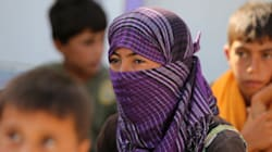 Niqab et Kalachnikov: le djihad au féminin, face cachée de