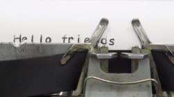 Une machine à écrire avec la police de caractères la plus détestée du