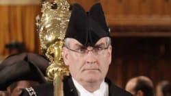 Le sergent d'armes Kevin Vickers traité en héros après avoir abattu un tireur au parlement d'Ottawa