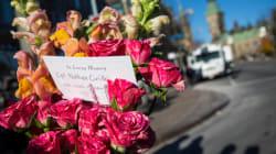 Attentat à Ottawa: retrait des fleurs au Monument commémoratif de