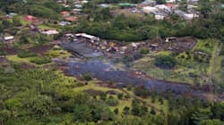 Un fiume di lava spaventa le Hawaii