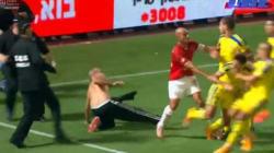 Le derby de Tel-Aviv dégénère, violents heurts entre joueurs et