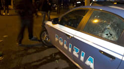 Aggredita dagli stupratori si fa giustizia da sola: manganellata dalla polizia (FOTO,