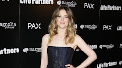 Gillian Jacobs Looks Gorgeous In Party