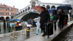 Vietati i trolley a Venezia: fanno troppo rumore