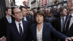 Hollande sifflé et hué par des manifestants à son