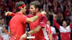 Federer et Wawrinka battent Gasquet et Benneteau, la Suisse mène