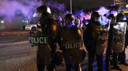 A Ferguson, la non inculpation du policier provoque de violentes